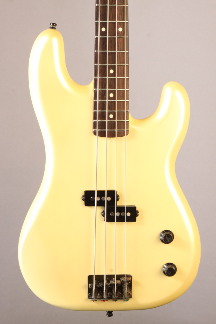 bf3030 fender  made in japan  precision bass 1987