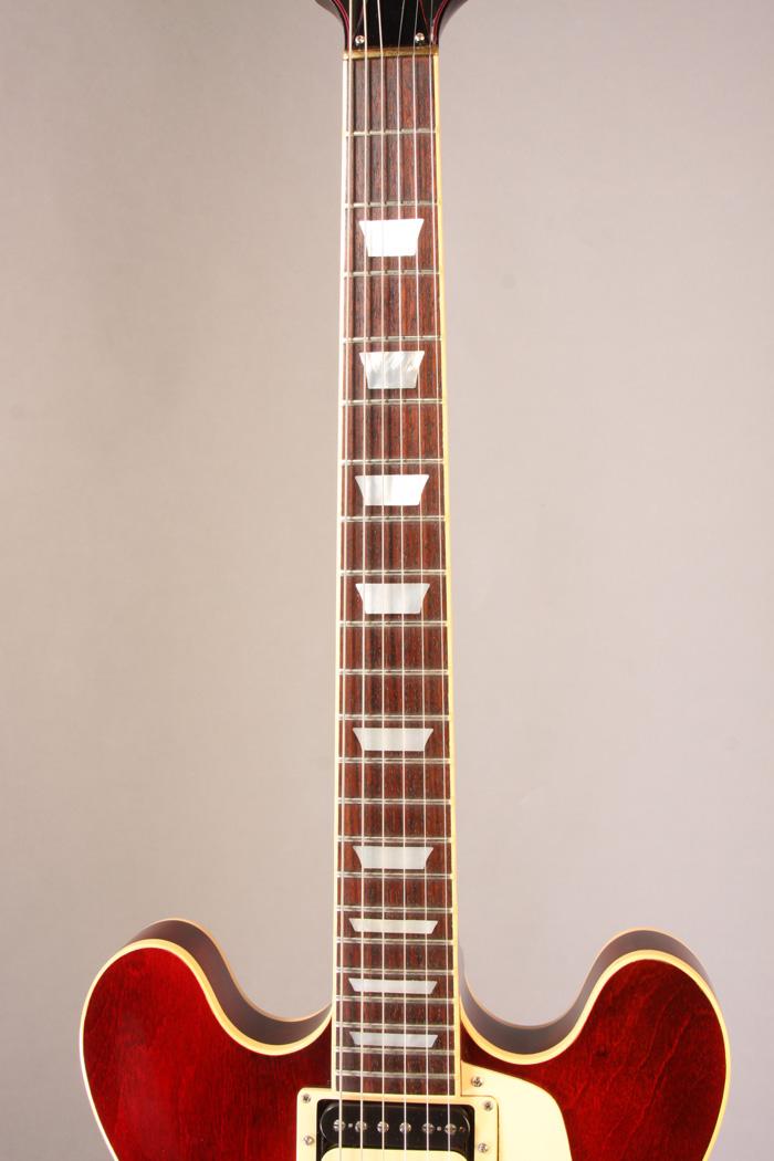 E S S E N T I A L: EH6715 Gibson ES-369 1982